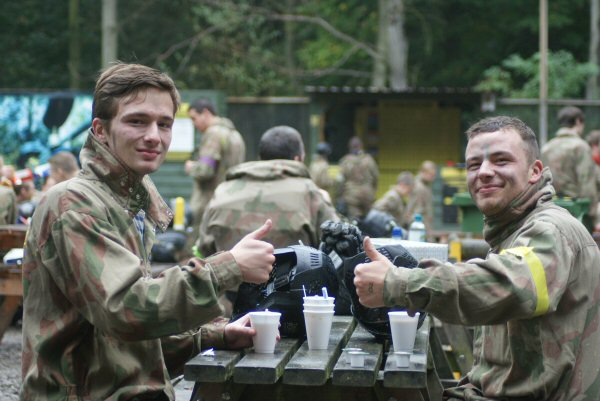 paintball-vs-laser-quest-lunch-time.jpg
